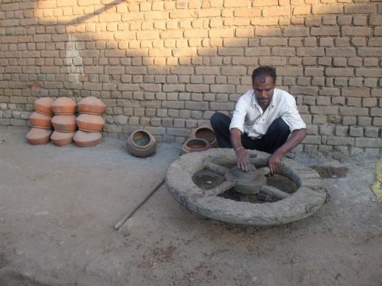 Pottery lesson, Madhya Pradesh