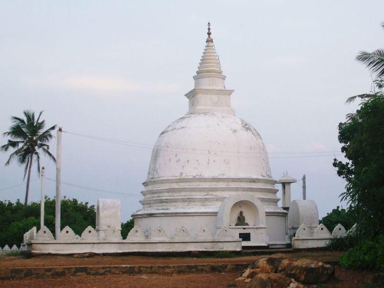 Buddhist stupa, Unawatuna, Sri Lanka