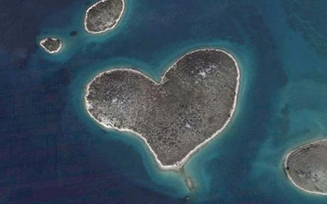 Lovers Island is all heart for Valentines