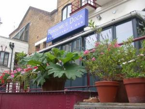 Ransomes-Dock-Restaurant_4916421_97025_image