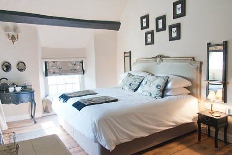 The White Hart bedroom